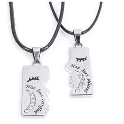 KINNO - Kissing Matching Couple Necklace Set
