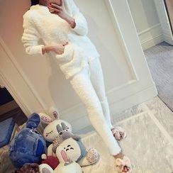 November Rain - Pajama Set: Fleece Long-Sleeve Top + Pants
