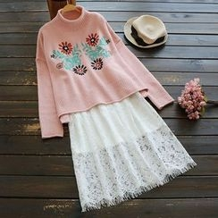 YOYO - Mock Neck Embroidery Sweater
