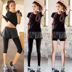 REALLION - 套裝: 短袖運動T恤 + 假兩件內搭褲短褲 / 裙子