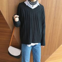 HotBlock - V-Neck Thick Sweater