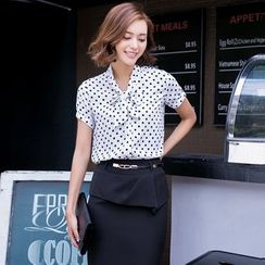 Eleganza - Short-Sleeve Dotted Blouse