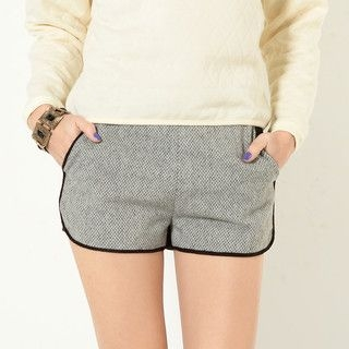 YesStyle Z - Zip-Back Two-Tone Shorts