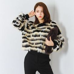 FASHION DIVA - Crew-Neck Tiered Faux-Fur Sweatshirt
