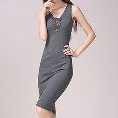 AGA - Sleeveless Sheath Dress