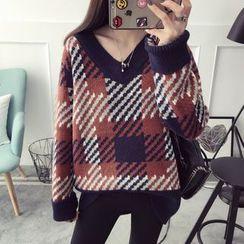 Qimi - Plaid V-Neck Sweater