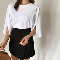 QNIGIRLS - 3/4-Sleeve  Slit-Trim T-Shirt
