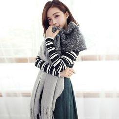 Tokyo Fashion - Fringed Winter Scarf