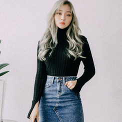 chuu - Asymmetric Fray-Hem Mini Denim Skirt