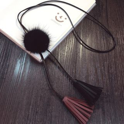 MOORE - Tasseled Pompom Necklace