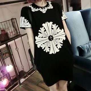 QZ Lady - Printed Shift Dress