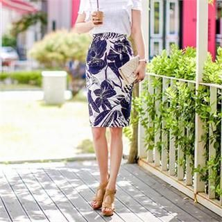 Closet 9 - Patterned Pencil Skirt