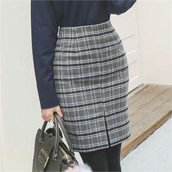 ode' - Slit-Front Plaid Skirt