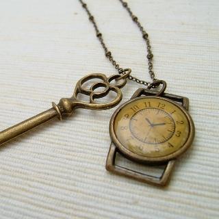 MyLittleThing - Vintage Key & Clock Necklace