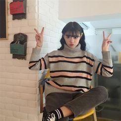 QZ Lady - Turtleneck Striped Sweater