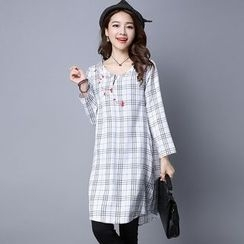 Cottony - Embroidered Plaid Long Sleeve Shift Dress