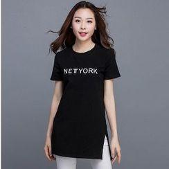 Eloqueen - Short-Sleeve Lettering T-Shirt