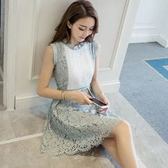 Cherry Dress - Color Panel Sleeveless Lace Dress