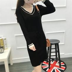 Arroba - V领针织连衣裙