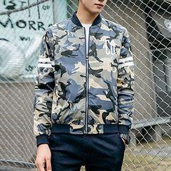 Evzen - Lettering Camo Zip Jacket