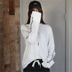 CHICFOX - Long-Sleeve Lettering T-Shirt