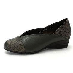 MODELSIS - Pattern-Detail Genuine Leather Wedge Sandals