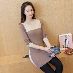 Romantica - Long-Sleeve Color-Block Long Knit Top