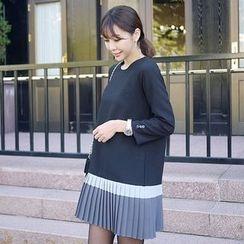 Seoul Fashion - Contrast Pleated-Hem Mini Shift Dress