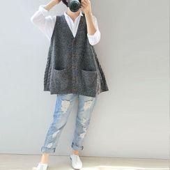 Ranche - V-Neck Buttoned Knit Vest