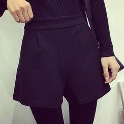 Velero - Plain Woolen Wide Leg Shorts