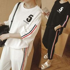 Smooch - Set: Striped 3/4 Sleeve T-Shirt + Cropped Sports Pants