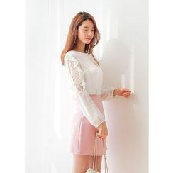 J-ANN - Lace Ruffled-Sleeve Blouse
