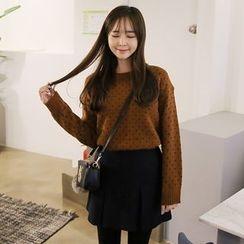 Envy Look - Crewneck Heart Pattern Sweater