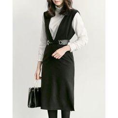 UPTOWNHOLIC - V-Neck Sleeveless Dress With Belt