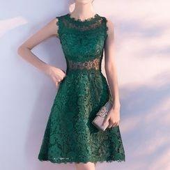 名贵风格 - 蕾丝无袖A字礼服裙