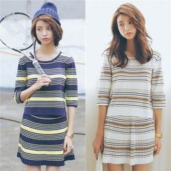 SUYISODA - Set: Short Sleeved Striped Knit Top + Skirt