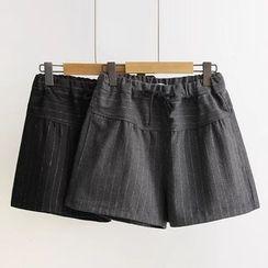 Musume - Striped Shorts