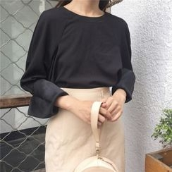 Eva Fashion - Cut Out Back Long Sleeve Blouse