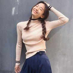 HL哈喽妹妹 - 色边长袖针织上衣