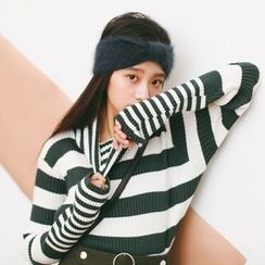 SUYISODA - Striped Turtleneck Sweater