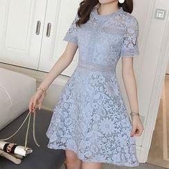 EFO - 短袖蕾丝连衣裙