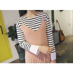 Envy Look - Slit-Cuff Striped T-Shirt