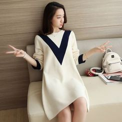 Weaverbird - Color Block Chevron Knit Dress