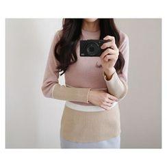 demavie - Round-Neck Color-Block Knit Top