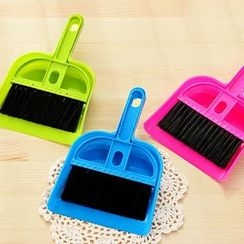 Good Living - Broom and Dust Pan Set