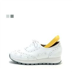 MODELSIS - Perforated Sneakers