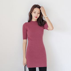 WITH IPUN - Short-Sleeve Knit Dress