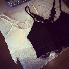 DreamyShow - Lace Trimmed Camisole