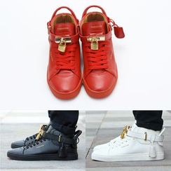 Hipsteria - Matching Couple Padlock Sneakers