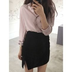 maybe-baby - Round-Collar Plain Blouse